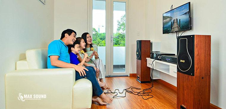 Nhu cầu hát karaoke ngày càng cao trong các gia đình