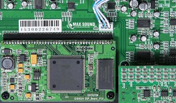 Vang số JBL KX180 trang bị công nghệ chống hú hiện đại